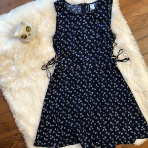 H&M Side Tie Patterned Dress